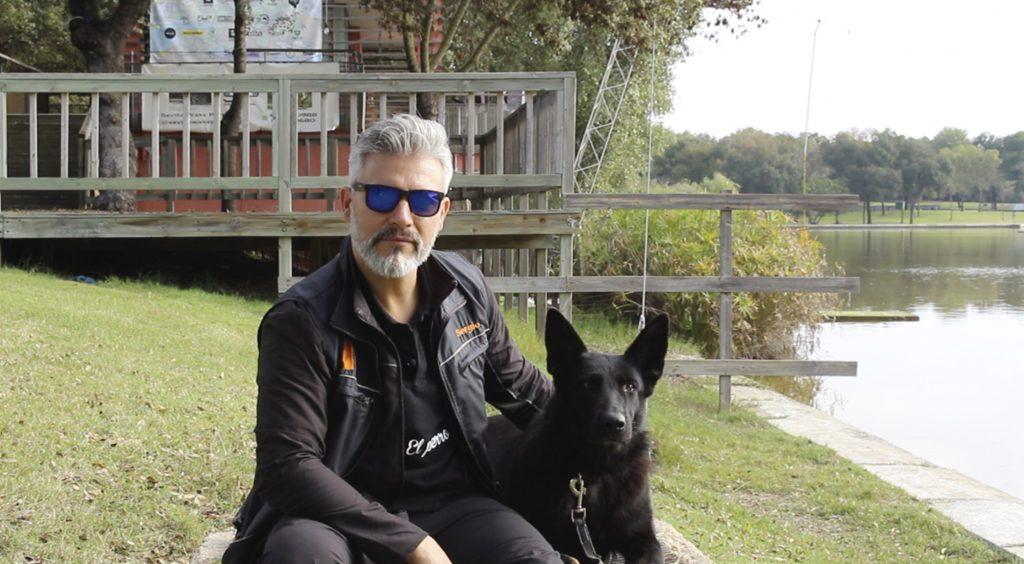 El perro y la correa, conexión y transmisión